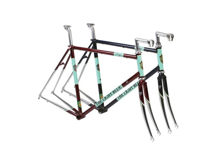 THE LIGHT BLUE Kings Frameset Red/Chrome click to zoom image